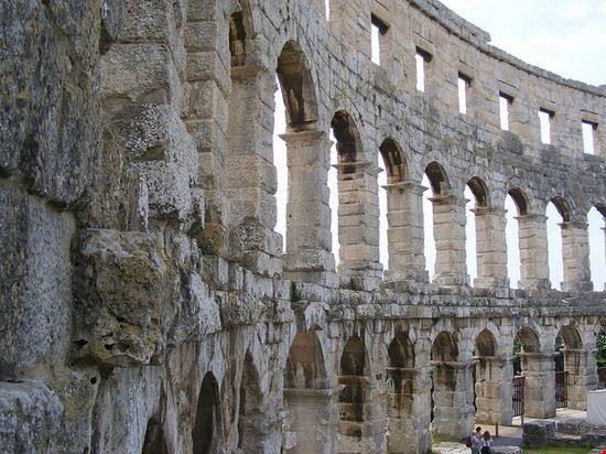 pula detailaufnahme des amphitheaters