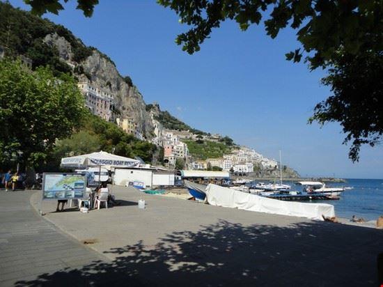 vista mare dal porto amalfi