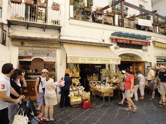 negozio tipico amalfi