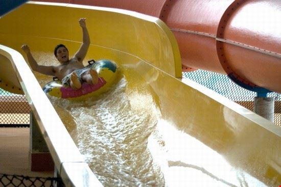 36372 niagara falls fallsview indoor waterpark