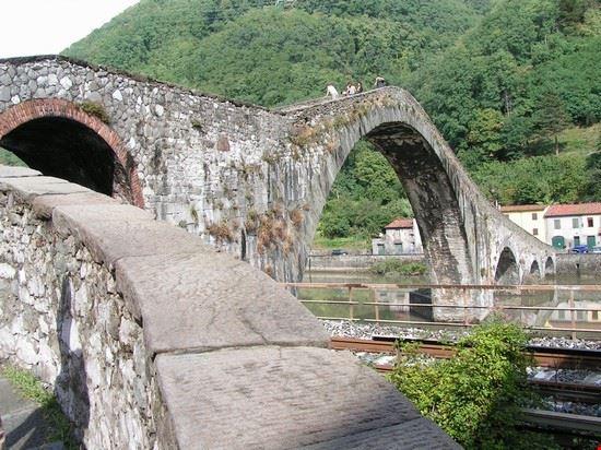Foto bagni di lucca ponte della maddalena a Bagni di Lucca - 550x412 ...