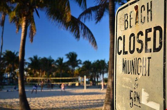 36878 miami cartello su glitter beach di miami