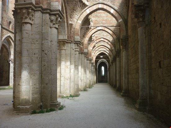 abbazia di san galgano chiusdino