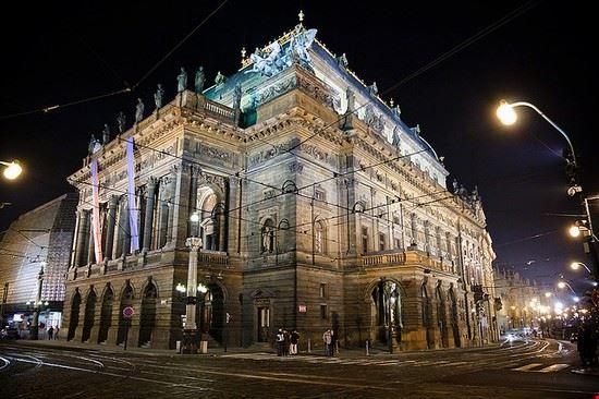 37216 prague national theatre