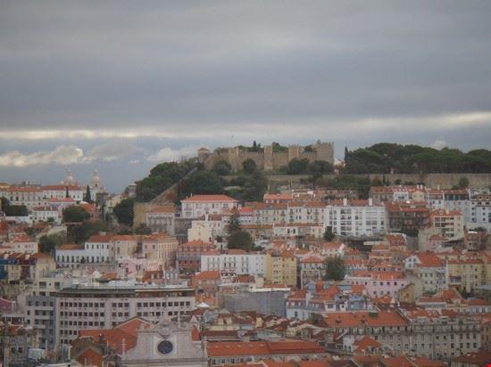 37329 il castello in lontananza lisbona