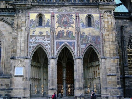 Castello Hradcany Cattedrale di S. Vito facciata laterale