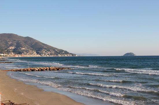 Matrimonio Spiaggia Alassio : Foto spiaggia e mare a alassio  autore carlo