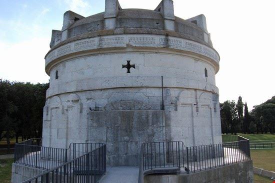37766 mausoleo di teodorico ravenna