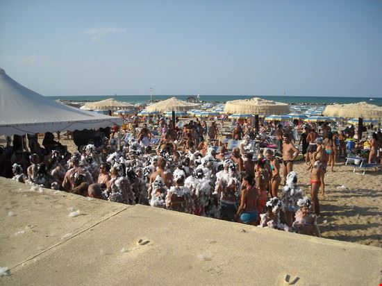 schiuma beach al lido le morge