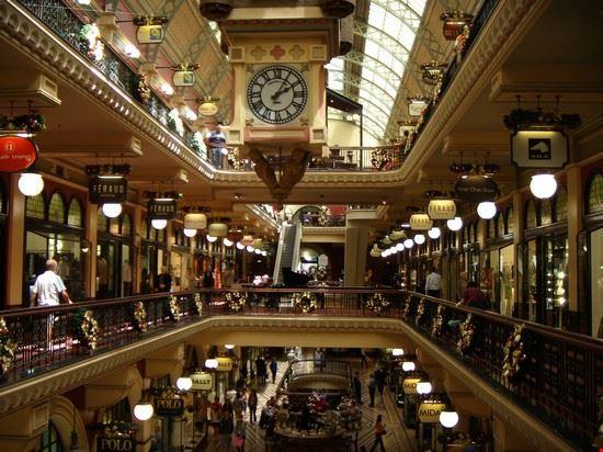 Foto ai grandi magazzini a sydney 550x412 autore for Grandi magazzini mobili
