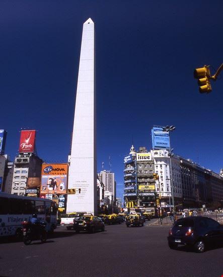 avenida 9 de julio  obelisco buenos aires