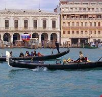 38605 venecia gondolas