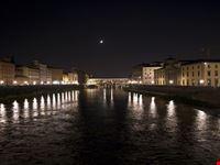 ponte vecchio by night firenze