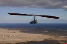 lanzarote paraglider
