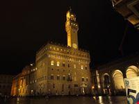 piazza della signoria di notte firenze