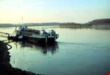 Barcone sul fiume Po