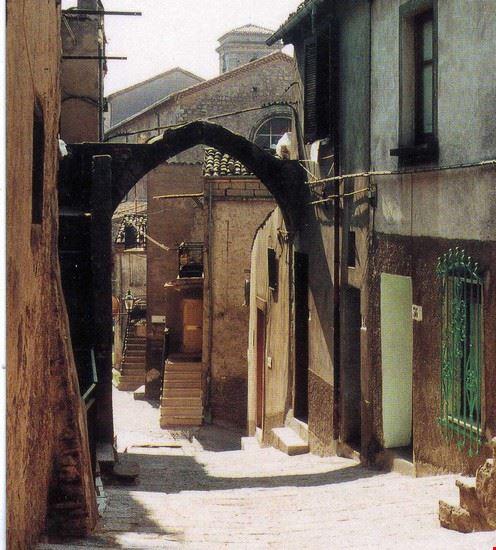 una veduta del borglo florense