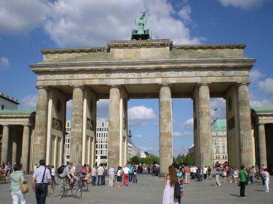 Foto porta di brandeburgo a berlino 550x412 autore - Berlino porta di brandeburgo ...