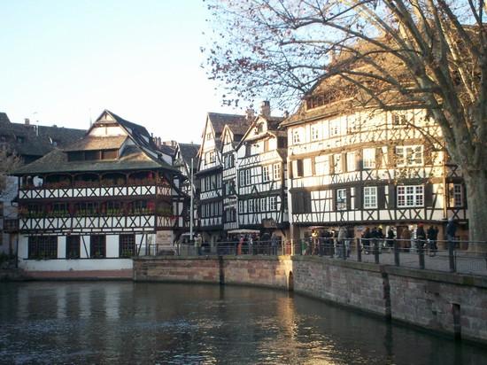 Foto abitazioni tipiche a strasburgo 550x412 autore for Immagini abitazioni