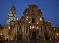 murcia murcias kathedrale bei nacht