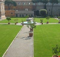 40126 giardini vaticani roma