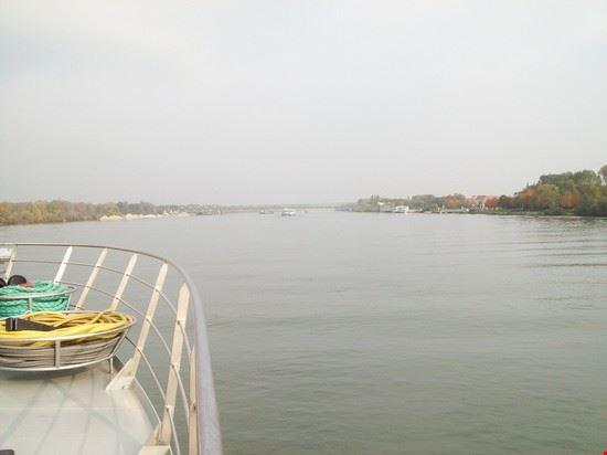40416 budapest danube river