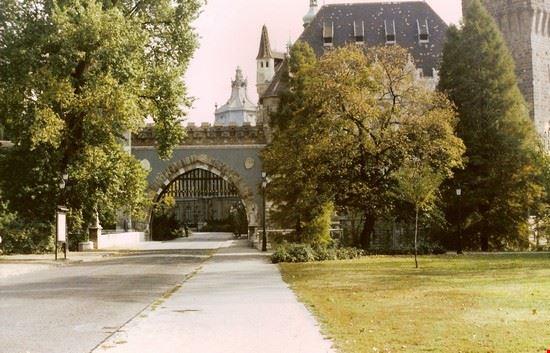 40648 il castello budapest