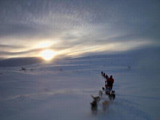 crepuscolo sulla neve della norvegia trondheim