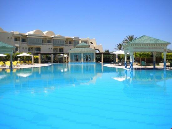 piscina hotel tunisi