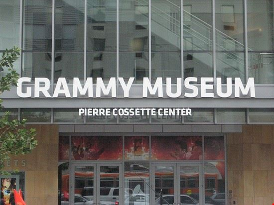 40989 los angeles grammy museum