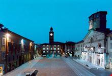 reggio emilia piazza prampolini notturna