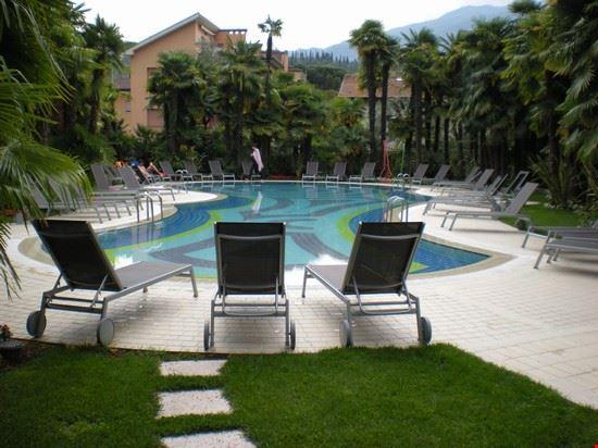 41108 piscina hotel riva del garda