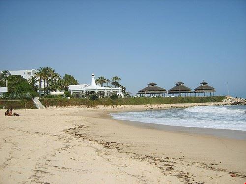 41111 tunis carthage beach