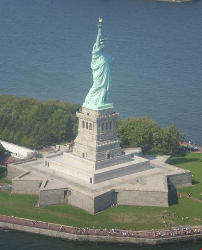 Elicottero A New York : Photo statua della liberta dall elicottero new york in