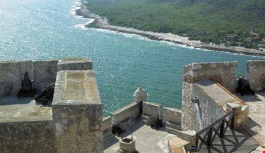 41404_castle_to_ocean_santiago_de_cuba