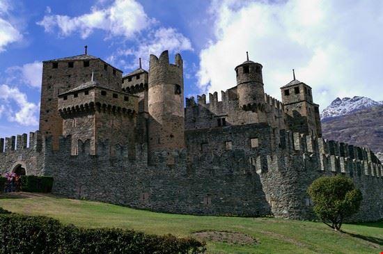 41454 aosta castello di fenis