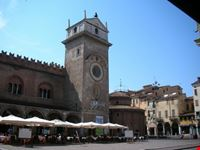 piazza e palazzo della ragione