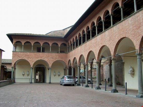 41742 siena il portico dei comuni d  italia ingresso del santuario di santa caterina