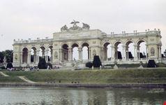 la gloriette castello di schonbrunn vienna