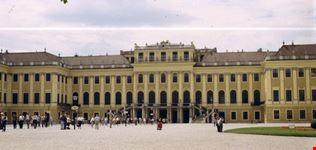 castello di schonbrunn vienna