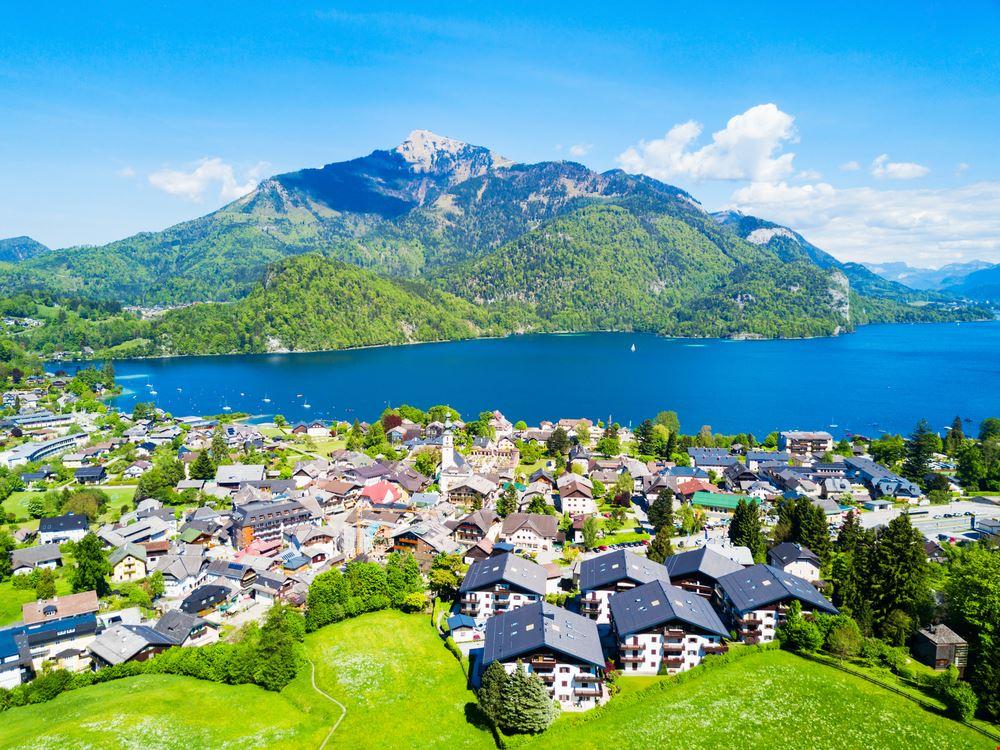 424010103180300 Austria 749134483