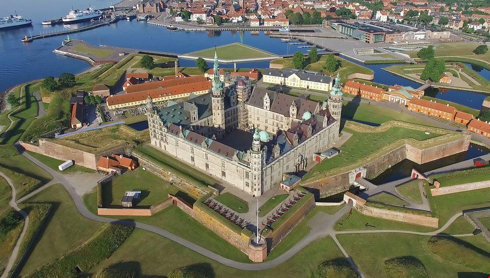 Kronborg_castle_Copenaghen