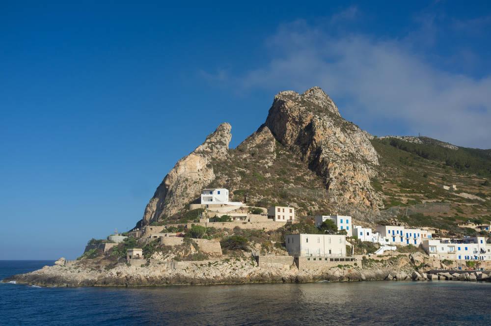 Foto isola di marettimo cartoline immagini fotografie for Vedere case online