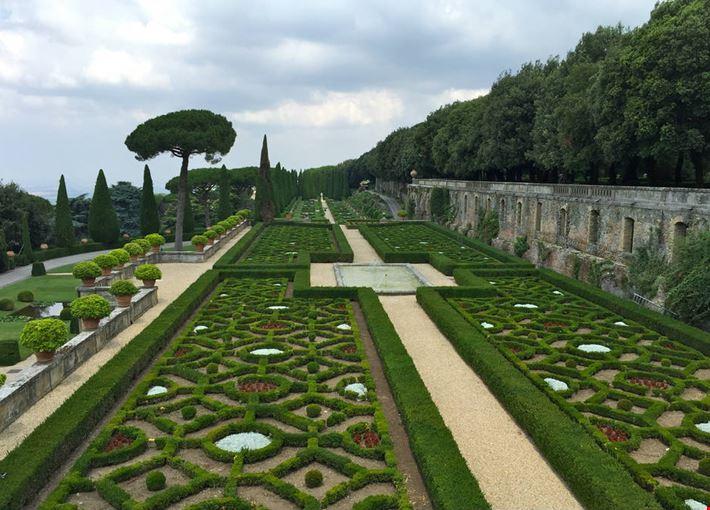 Foto giardini vaticani a castel gandolfo 1000x667 - Giardini foto immagini ...