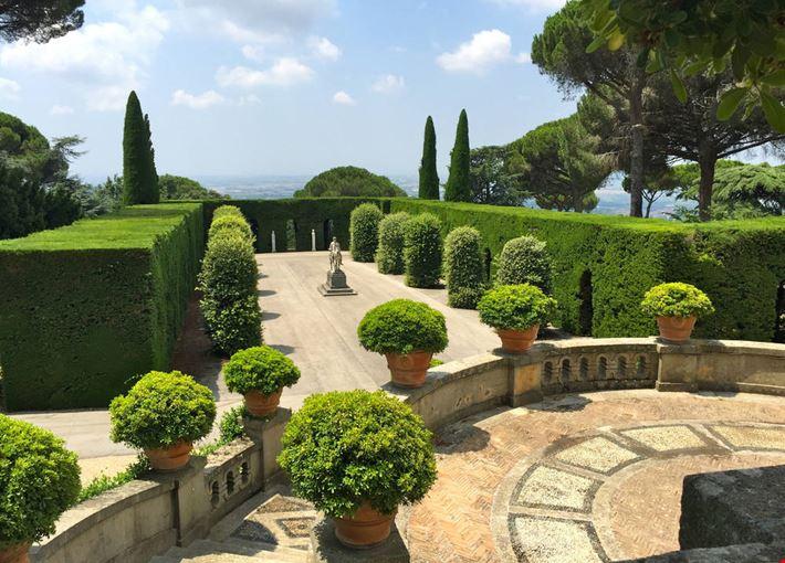foto giardini vaticani a castel gandolfo 1000x750