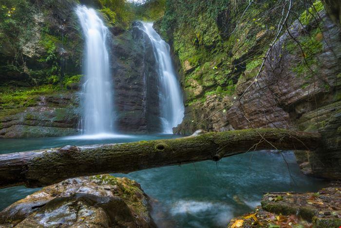 Cascate di Carpinone, dove la natura esplode in una cascata