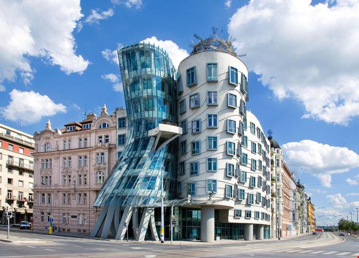Foto casa danzante a praga info for Design hotel neruda praga praga repubblica ceca