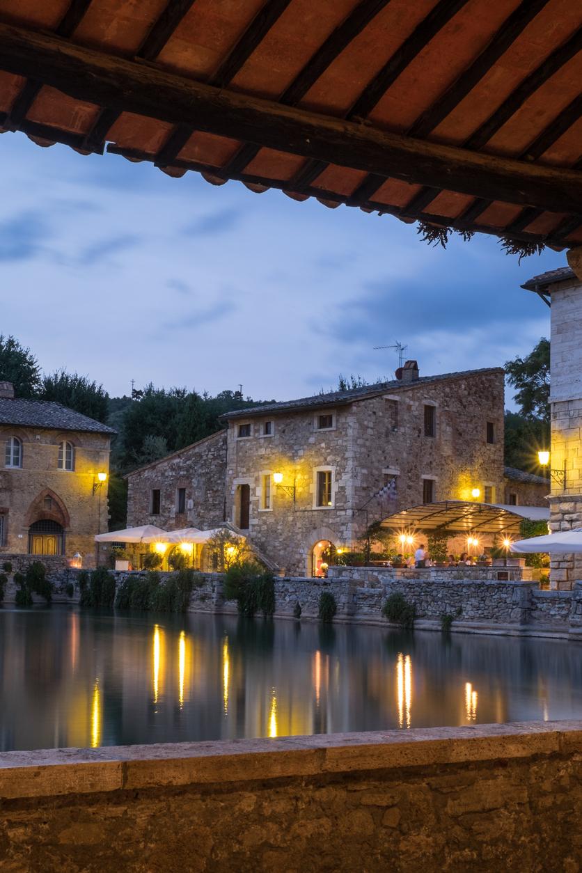 Bagno vignoni le terme di santa caterina a san quirico d 39 orcia - Bagno vignoni ristoranti ...