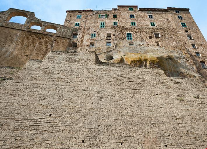 Mura di Pitigliano