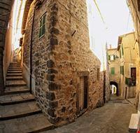 424011810190410 Il borgo di Latera alto